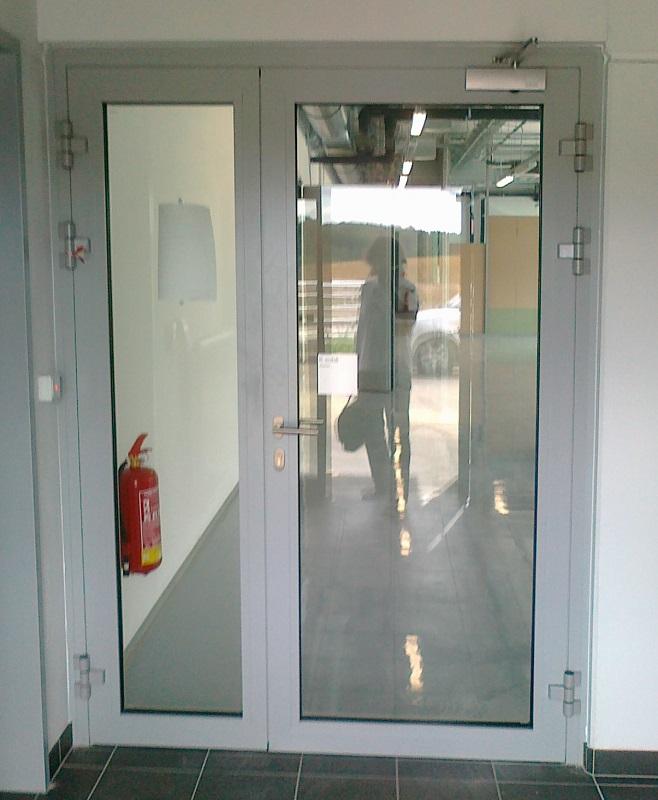 Požární ocelové prosklené dveře /